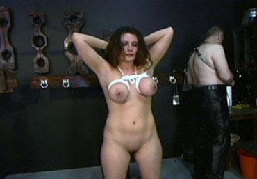 Bild klicken für mehr Forced Orgasm Video