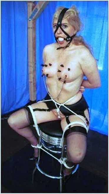 Bild klicken für mehr Sklavinnen