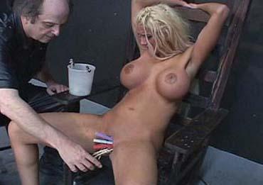 Bild klicken für mehr Sex Bondage