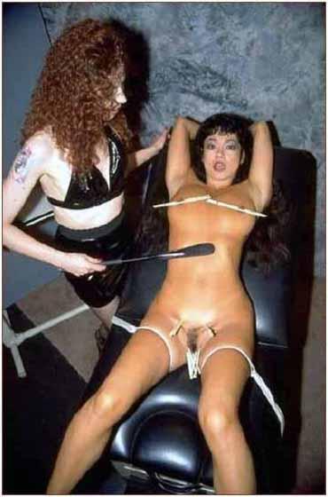 Bild klicken für mehr Slave Herrin