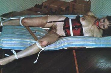 Bild klicken für mehr Sm Sklavin Rasiert