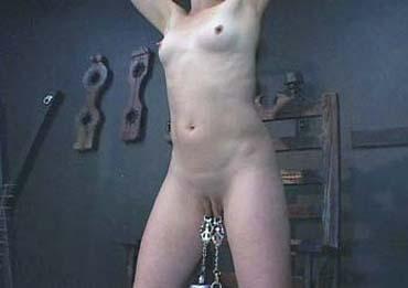 Bild klicken für mehr Submission Domination Scenes
